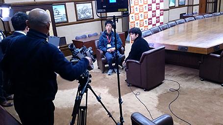 名古屋市長にインタビュー!そのスタンバイのひとコマ