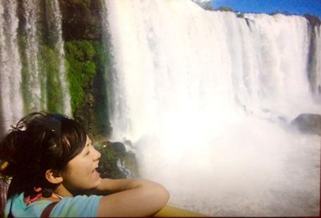 アルゼンチンとブラジルにまたがる、世界最大の滝・イグアスの滝。